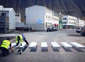 Na Islândia, os atropelamentos foram reduzidos em 25% nas ruas com faixas de pedestres em 3D. Crédito: Gusti Productions