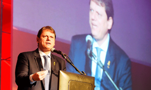 Ministro Tarcísio Gomes de Freitas: ativos chamam a atenção e trazem perspectiva de investimentos sem precedentes. Crédito: CBIC