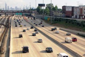 Pavimento de concreto permite que veículos economizem combustível e poluam menos o ar Crédito: Ben Schumin/Wikimedia Commons
