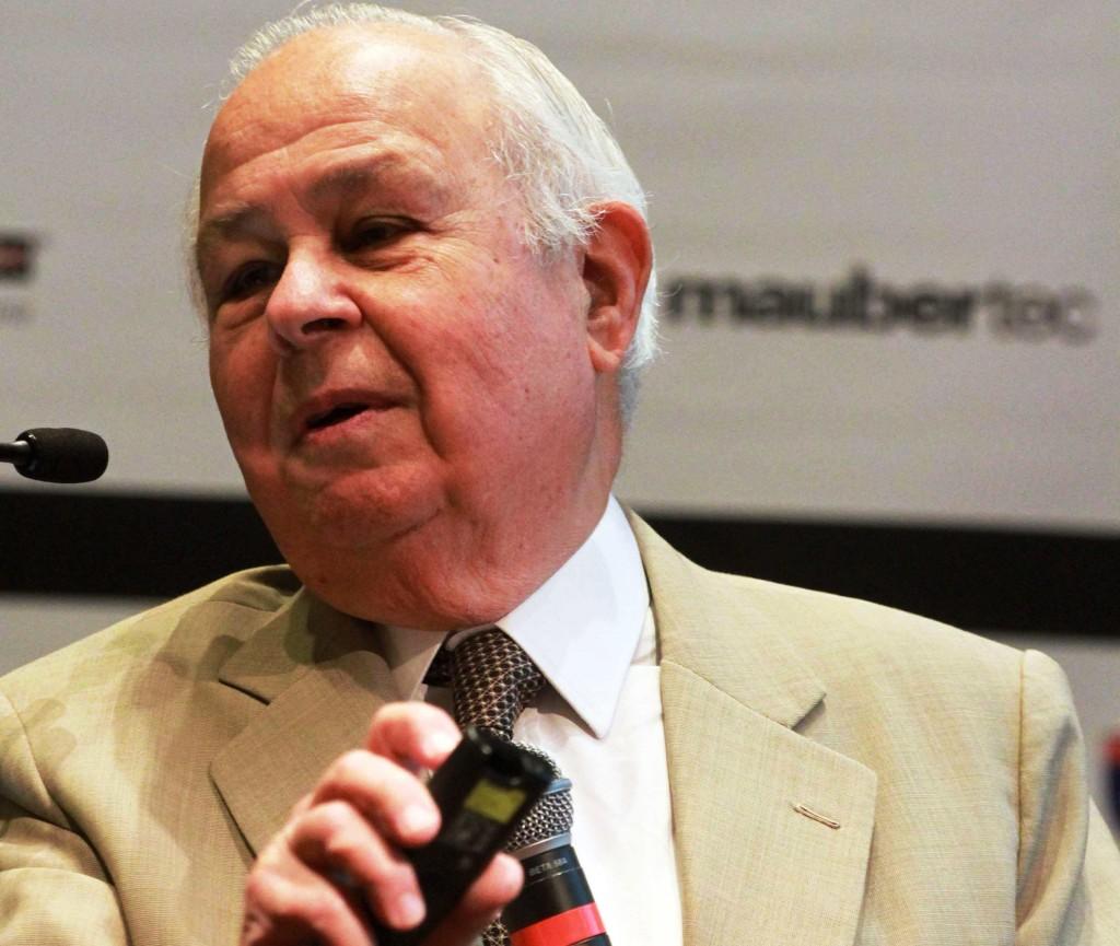 Mario Franco, em palestra em 2012, na ABECE: referência mundial na engenharia de cálculos de estruturas de concreto Crédito: ABECE