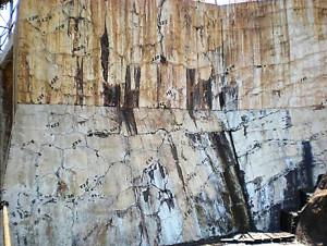 Reação Álcali-Agregado em barragem: obra é uma das mais atingidas pela patologia Crédito: Selmo Chapira Kuperman