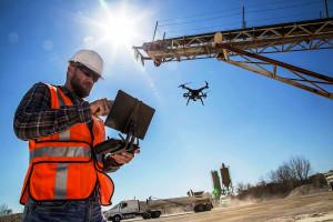Construção agrega tecnologia no canteiro de obras e, consequentemente, precisa de mão de obra mais qualificada Crédito: Banco de Imagens