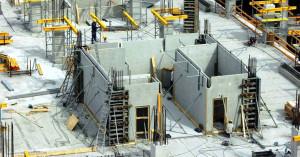 Tecnologia de painéis estruturais de concreto permite montagem rápida das paredes e das lajes no canteiro de obras Crédito: Prilhofer