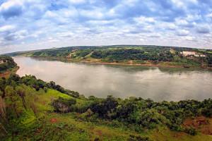 Local onde será construída a ponte ligando Porto Murtinho-MS e Carmelo Peralta, sobre o rio Paraguai Crédito: Acifi