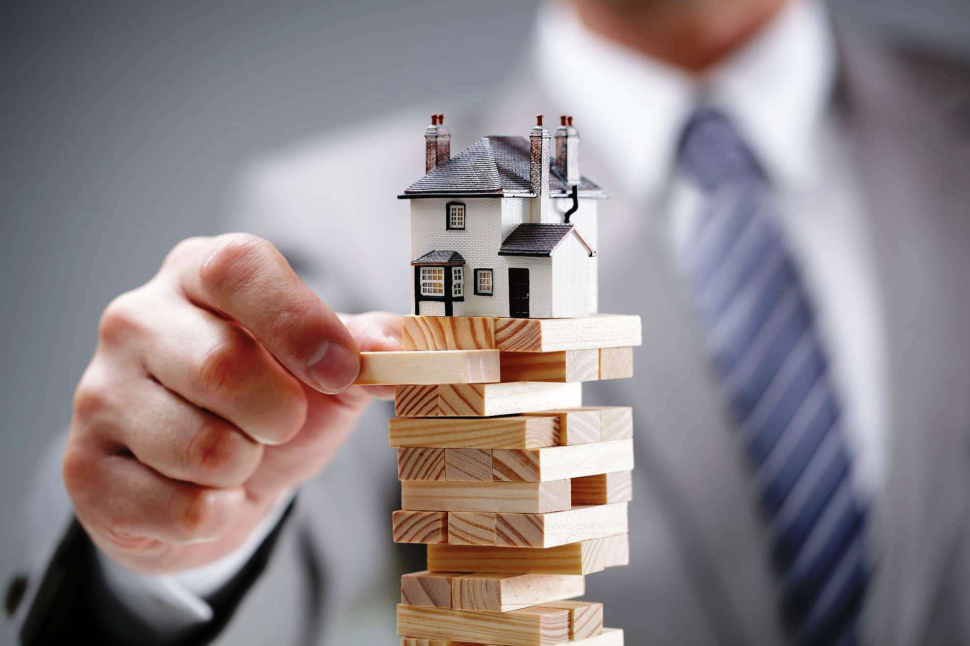 Imóveis e fundos de investimento Imobiliário pertencem à mesma categoria de ativos, mas possuem diferenças importantes. Crédito: Banco de Imagens