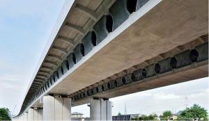 Concreto de alto desempenho possui altíssima durabilidade, o que explica sua aplicação em obras especiais, como pontes, viadutos e grandes estruturas. Crédito: Banco de Imagens