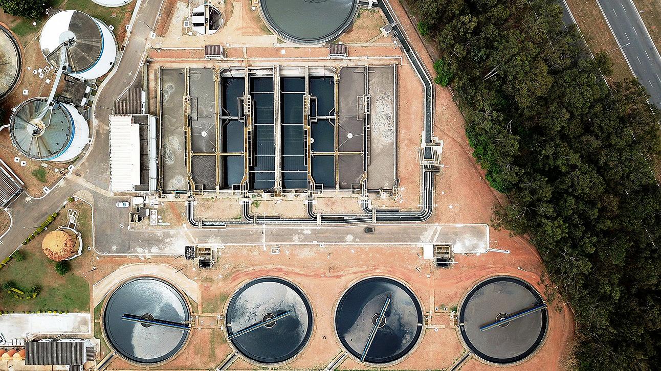Perda de investimento das estatais de saneamento reduziu capacidade de coletar e tratar esgoto no Brasil. Crédito: José Paulo Lacerda/Agência CNI de Notícias
