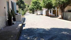 Em Cachoeiro do Itapemirim-ES, a prefeitura rompeu paradigmas e decidiu urbanizar as ruas de bairros com pavimento de concreto. Crédito: PMCI