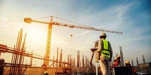 Nos Estados Unidos, os canteiros de obras estão ativos, mas ritmo desacelerou por falta de materiais e mão de obra. Crédito: Banco de Imagens
