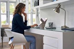 No home office é importante ter um local adequado e entender que a jornada é um dia normal de trabalho, porém em casa.  Crédito: Banco de Imagens