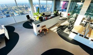 Com a adoção do home office permanente, escritórios tendem a encolher na pós-pandemia. Crédito: Cushman & Wakefield/Divulgação