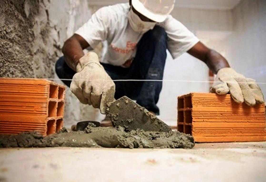 Considerada atividade essencial, construção civil tem seguido todos os protocolos estabelecidos para a prevenção contra o Coronavírus nos canteiros de obras Crédito: Banco de Imagem