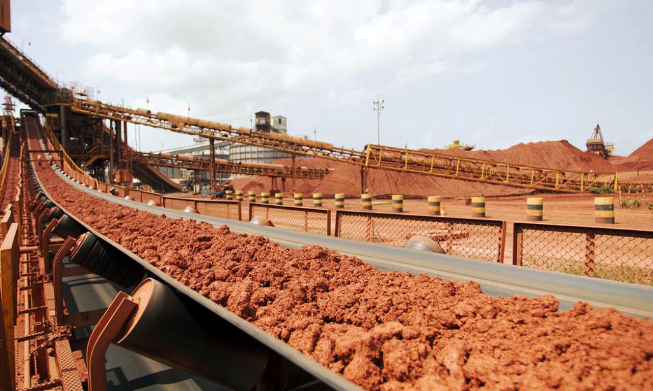 Bauxita extraída no Pará deixa 500 mil toneladas por ano de resíduos. Objetivo é usar rejeitos na composição de Cimento Portland   Crédito: Hydro