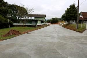 Em São Bento do Sul-SC, moradores dividem com a prefeitura o custo da pavimentação de concreto Crédito: Prefeitura de São Bento do Sul-SC