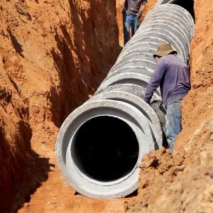 Fabricantes de tubos de concreto estão entre os que mais devem se beneficiar com a nova lei do saneamento básico Crédito: Banco de Imagens.