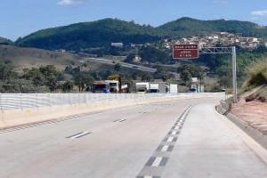 Ministro Tarcísio Gomes de Freitas: em plena pandemia, inauguração de obras não para. Crédito: MInfraestrutura