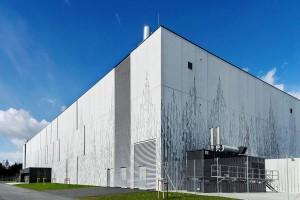 Fábrica na Noruega revestida com painéis pré-fabricados de concreto gráfico Crédito: Graphic Concrete