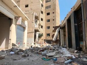 Prédio foi construído a 1.500 metros do epicentro da explosão, mas sua estrutura de paredes de concreto e a fachada se mantiveram intactas Crédito: Lina Ghotmeh Architecture