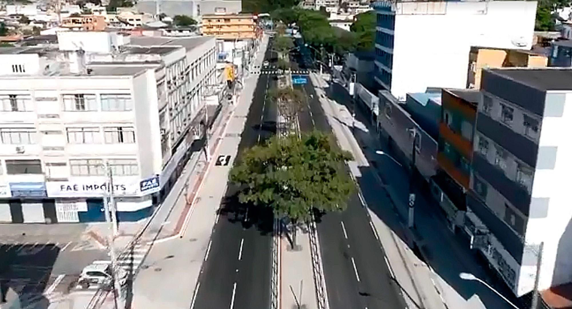 Avenida Vitória incorpora conceitos atuais de mobilidade urbana: ciclovia no canteiro central, pista de concreto para ônibus e calçada cidadã, no nível da rua Crédito: Divulgação