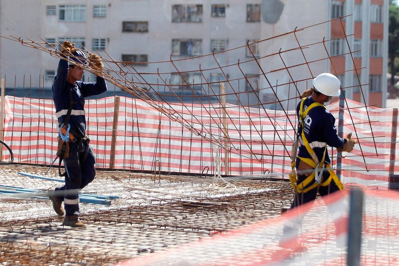 Desempenho da construção civil em 2020 faz com que setor empregue um total de 2 milhões e 225 mil trabalhadores com carteira assinada Crédito: Agência Fiep