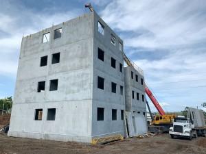 Sistema é respaldado pela norma técnica sobre painéis de parede de concreto pré-moldado e também atende a Norma de Desempenho Crédito: BPM Pré-Moldados