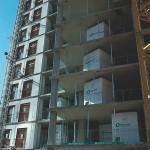Banheiros prontos para serem instalados em edifício construído na Inglaterra: BIM já está revolucionando a construção civil Crédito: Oldcaste SurePods
