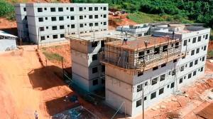 Tecnologia de paredes de concreto começou a ser utilizada no Minha Casa Minha Vida e migrou para prédios de alto padrão.  Crédito: prefeitura de Caratinga-MG
