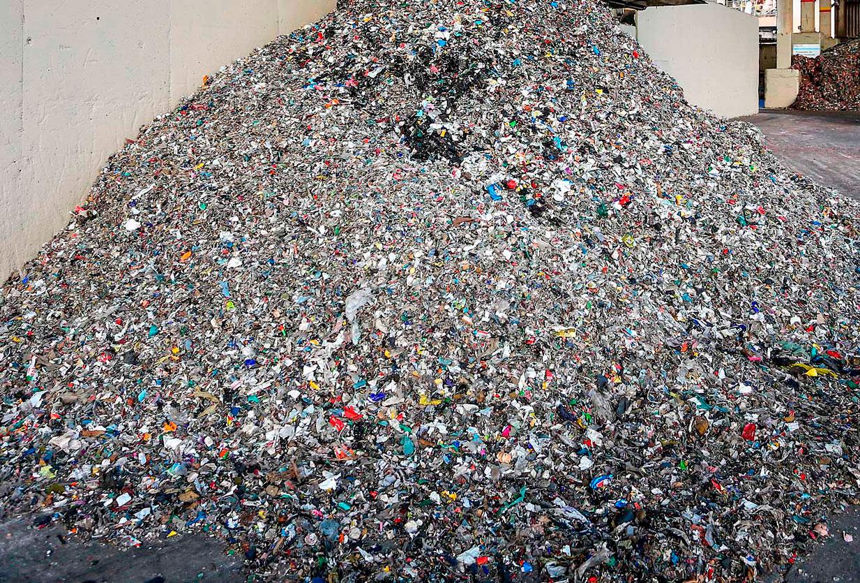 Coprocessamento de resíduos sólidos em fornos para a produção de clínquer reduz uso de combustíveis fósseis na fabricação de Cimento Portland Crédito: Daniel Castellano/SMCS