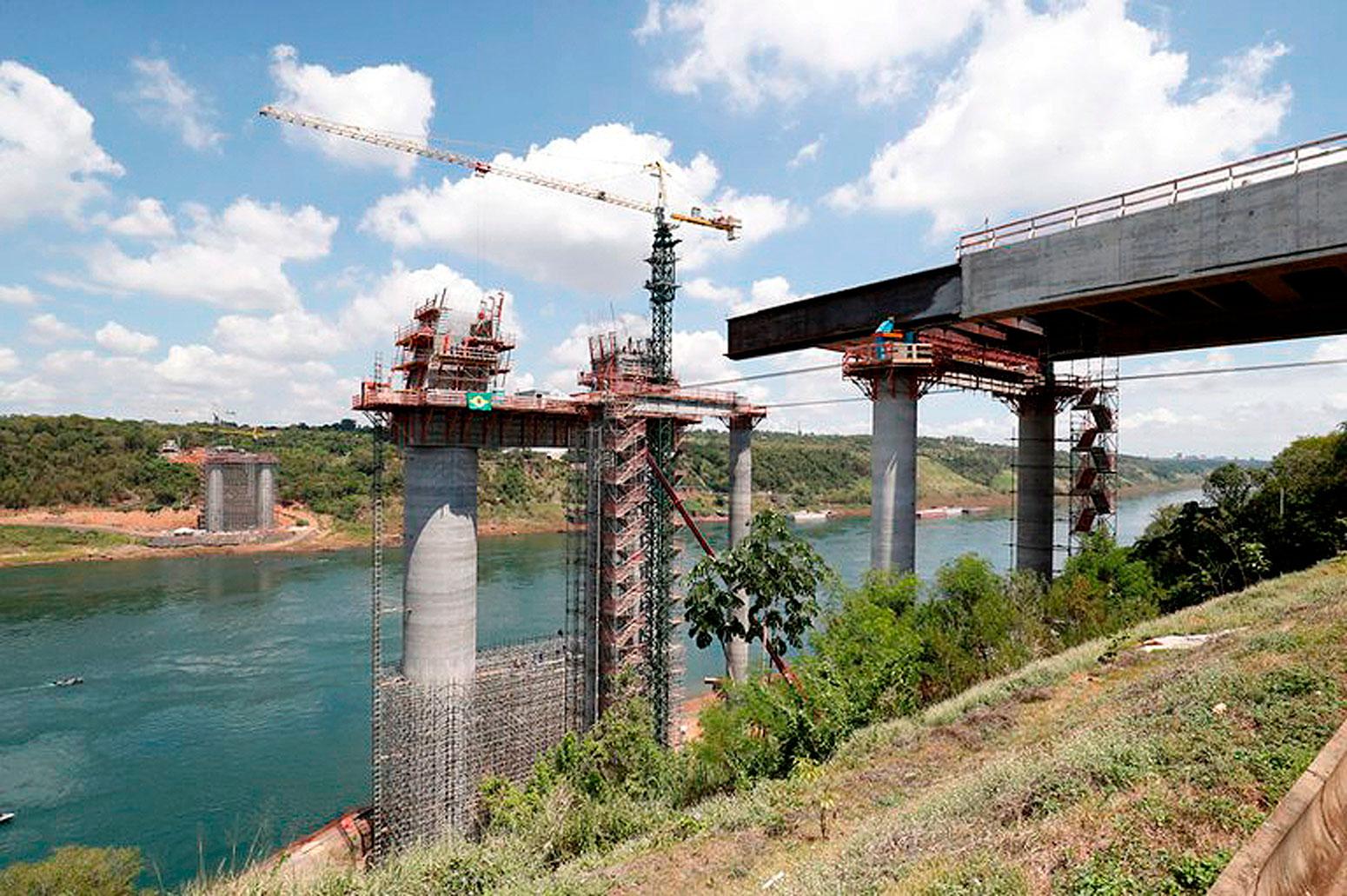 Nova ponte Brasil-Paraguai está com 45% das obras executadas do lado brasileiro, em Foz do Iguaçu Crédito: Alan Santos/PR