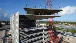 Resort Juno Winter Park, na Flórida: construção modular em concreto permitiu que edifícios com 268 unidades fossem construídos em 11 meses Crédito: PCI