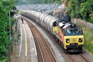 Composição de vagões carregados com cimento no Reino Unido: cresce transporte do insumo por ferrovias Crédito: Cornwall Railway Society