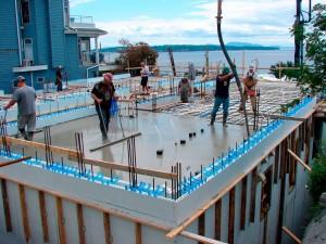 Aplicação de concreto autoadensável em obras com paredes de concreto traz segurança à execução do projeto Crédito: Pinterest