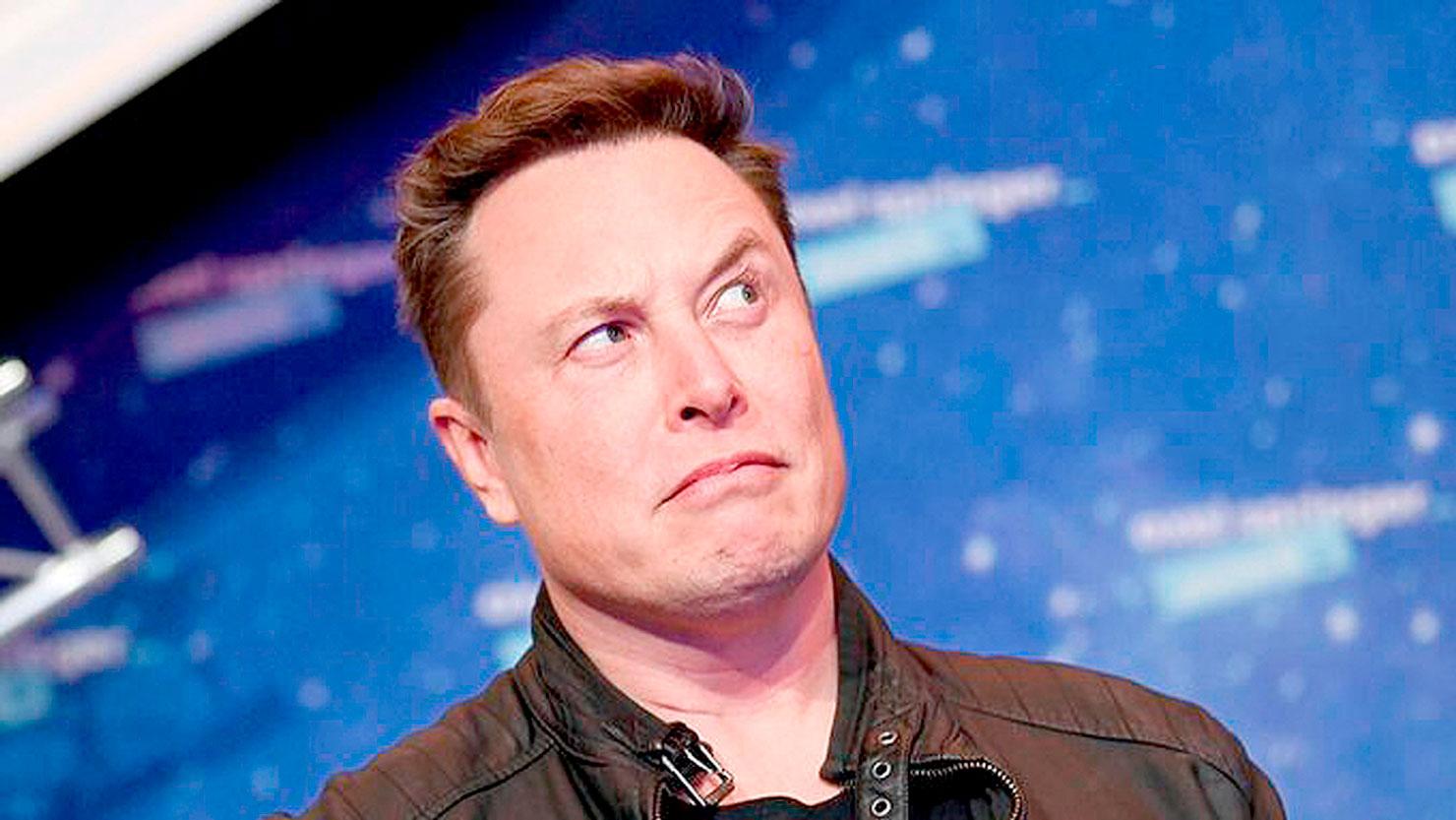 Elon Musk: CEO da Tesla atua em frentes que vão desde enviar humanos a Marte até pesquisas com concretos especiais Crédito: Tesla