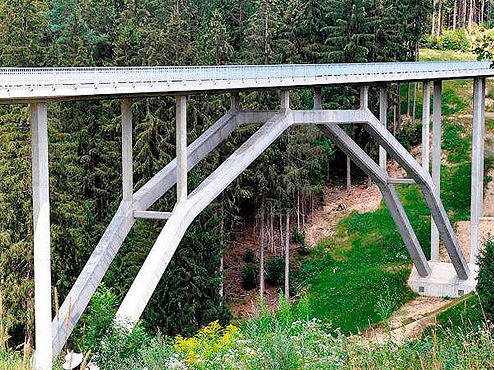 Na Áustria, na cidade de Völkermarkt, foi construída a 1ª ponte em arco do mundo com concreto UHPC Crédito: ZKP