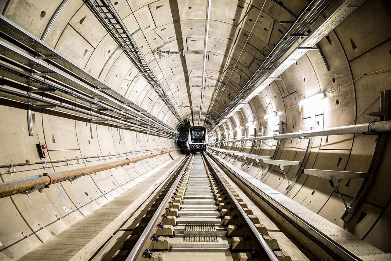 Trens começam a circular na Crossrail e fase de testes irá até o final de 2021, na maior obra de mobilidade urbana da Europa Crédito: Crossrail Ltd.
