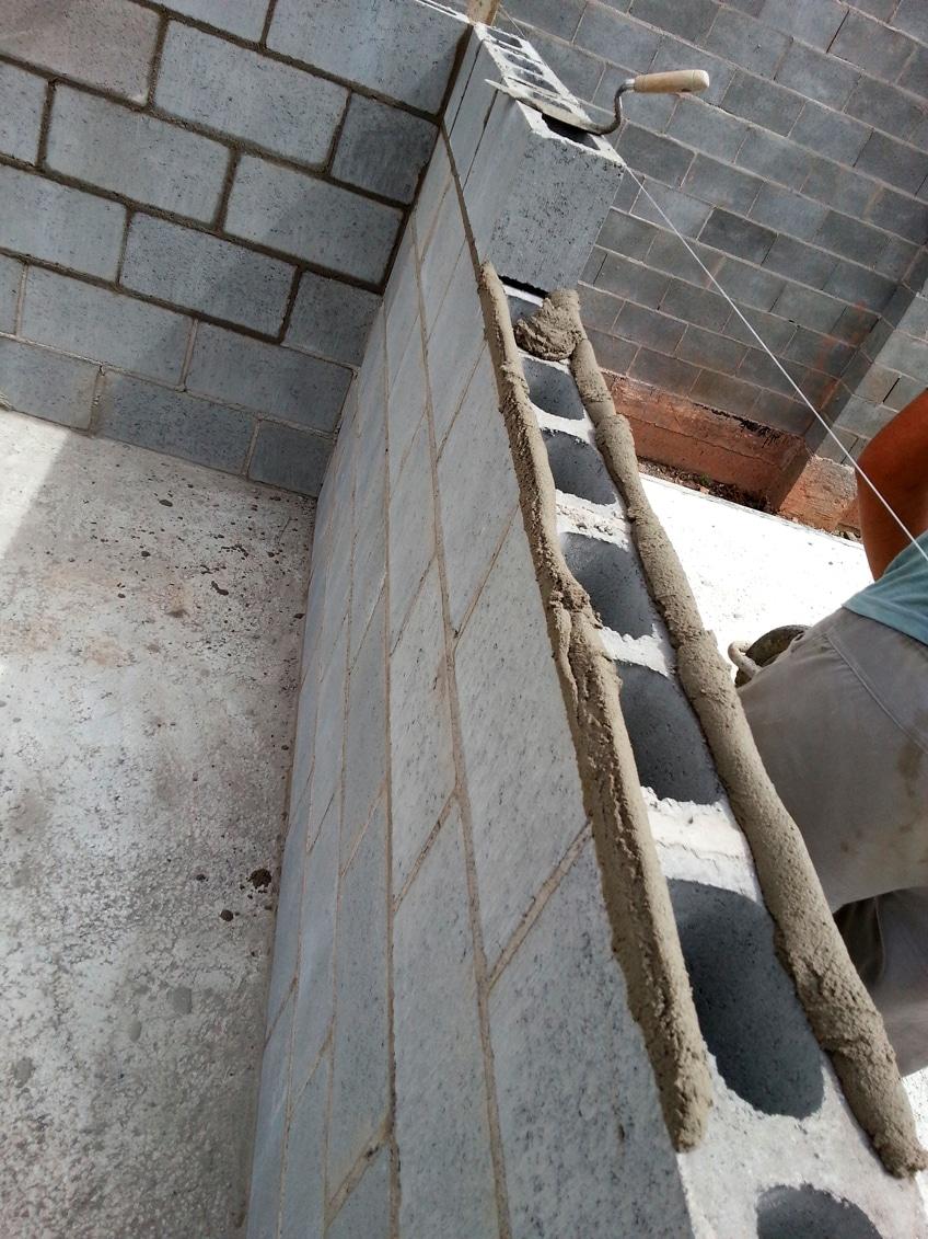 Alvenaria estrutural: para que paredes cumpram a ABNT NBR 15575, sistema não depende só dos blocos de concreto, mas da argamassa de assentamento e do revestimento Crédito: Banco de Imagens