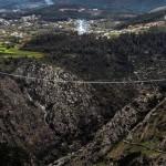 A 516 Arouca tem vão de 516 metros, e só perde para a ponte pedonal Baglung Parbat, no Nepal, com vão de 567 metros Crédito: Câmara Municipal de Arouca