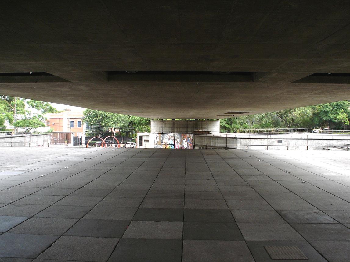 Museu Brasileiro de Escultura e Ecologia (MuBE), em São Paulo-SP: o concreto armado como marca registrada de Paulo Mendes da Rocha Crédito: Paulisson Miura/Wikimedia Commons