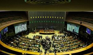 Aprovadas no Congresso Nacional, a Lei de Liberdade Econômica e a nova Lei das Licitações são mais exigentes com as normas técnicas. Crédito: Fabio Rodrigues Pozzebom/Agência Brasil
