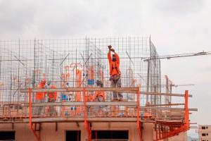 Construção civil se destaca pela capacidade de movimentar outros setores econômicos e de gerar empregos rapidamente. Crédito: Renato Alves/Agência Brasília