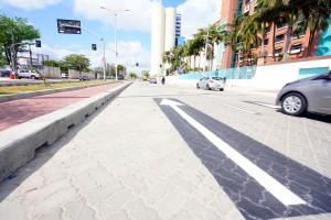 Avenida em Fortaleza-CE: cidade vem reurbanizando as rotas turísticas com pavimento intertravado de concreto Crédito: Governo do Ceará