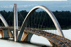 Normas técnicas relacionadas a pontes, viadutos, passarelas, túneis e trincheiras ganharão mais agilidade com a parceria entre ABNT e ABECE Crédito: Fabio Rodrigues Pozzebom/Agência Brasil