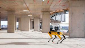Spot, o cão-robô multifuncional, consegue operar na construção civil quando acoplado a um scanner a laser 3D Crédito: Foster+Partners