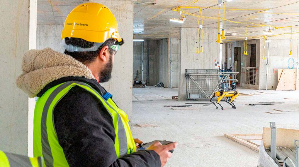 Robô pode ser programado para cumprir sua tarefa sozinho ou monitorado por um técnico no canteiro de obras Crédito: Foster+Partners