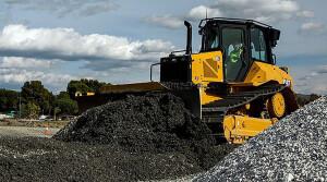 Máquinas para movimentação de terra e minério, que compõem a linha amarela, devem fechar 2021 com faturamento de 14 bilhões de reais Crédito: Caterpillar