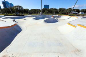 Porto Alegre construiu às margens do rio Guaíba o maior complexo público de skate da América Latina Crédito: Giulian Serafim/PMPA