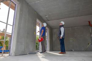 Construção do edifício no campus da Universidade Tecnológica de Dresden: obra utiliza elementos pré-fabricados de concreto de carbono Crédito: Stefan Gröschel/TU Dresden