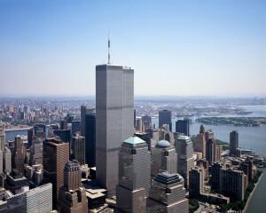 Torres gêmeas do World Trade Center, que foram alvos do ataque de 11 de setembro de 2001: atentado mudou a forma de construir grandes arranha-céus e abriu caminho para o concreto Crédito: Carol M. Highsmith/Library of Congress
